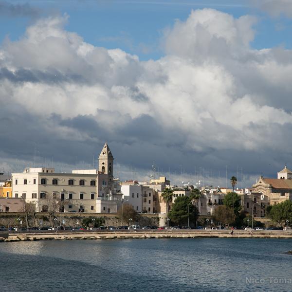 Bari Noleggio con Conducente - Mare di Bari