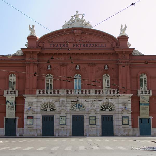 Bari Ncc - Teatro Petruzzelli