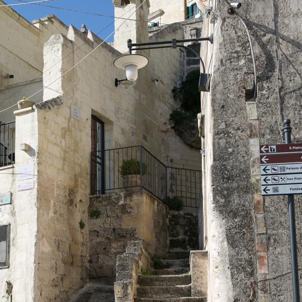 Vicoli Matera. Visitala con Bari Ncc