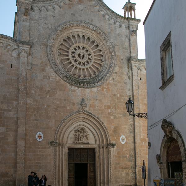 Ostuni La Cattedrale in stile tardo gotico