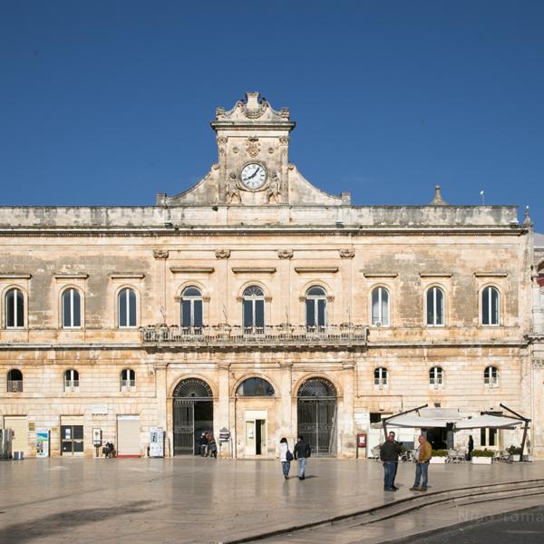 Piazza centrale di Ostuni