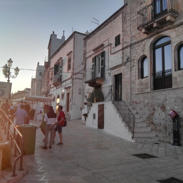 TOUR Valle D'Itria-Cisternino Br-bari ncc Taxi Privato