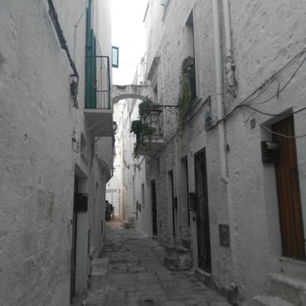 centro storico a Cisternino-Br BARI NCC